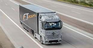 Mercedes Präsentiert ersten selbstfahrenden LKW