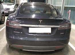 Tesla abgebrannt. War die Batterie schuld?