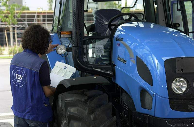 traktor_tuev_sued